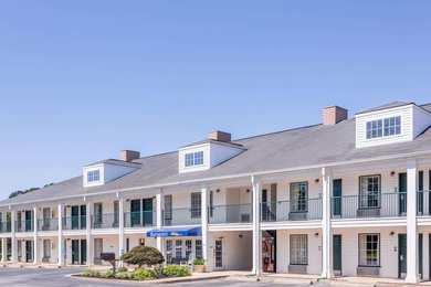 Baymont Inn & Suites Duncan