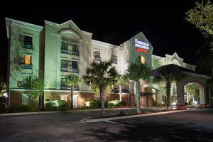 Fairfield Inn & Suites by Marriott Northwoods Mall