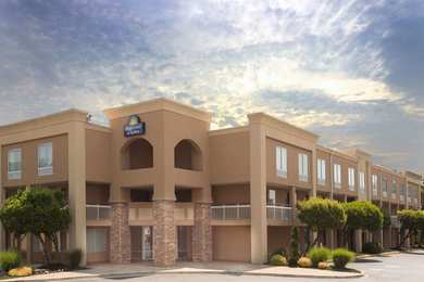 Days Inn & Suites Greenville