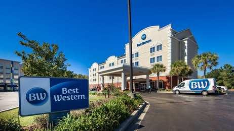 Best Western Plus Airport Inn & Suites N. Charleston